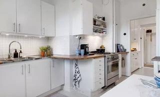 明亮纯白简约北欧风小厨房设计