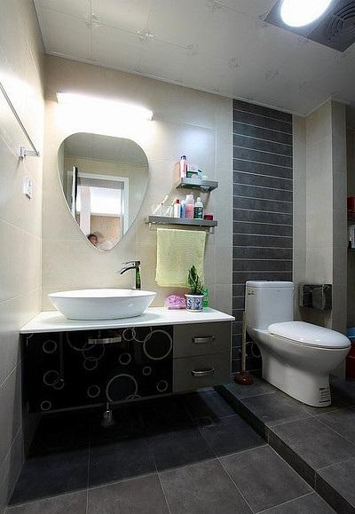 简约大方实用卫生间洗漱区装修效果图
