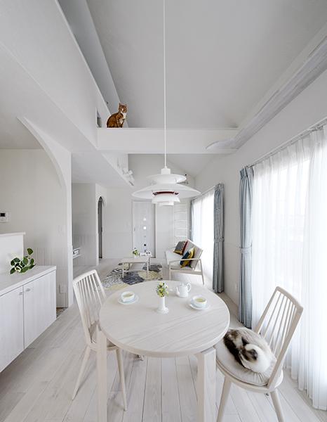 纯净白简约北欧风餐厅吊顶设计大全