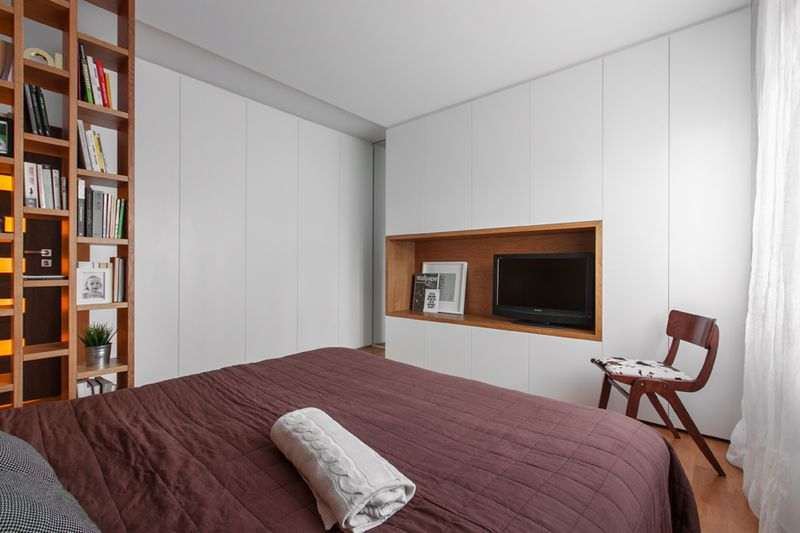 素雅现代卧室电视背景墙设计图
