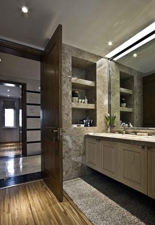 现代北欧风格家装卫生间木门装修效果图
