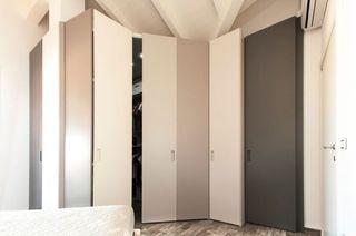 素雅简约风格衣柜折叠门效果图片