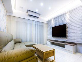 纯白简约现代装饰客厅窗帘效果图片