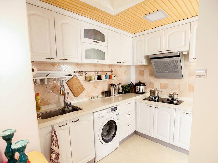 简约欧式厨房橱柜装修效果图