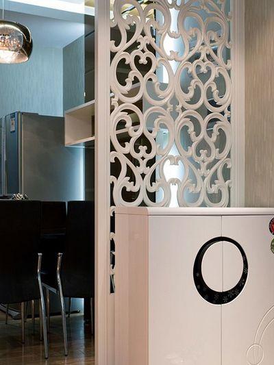 黑白现代风格家居雕花窗棂隔断效果图