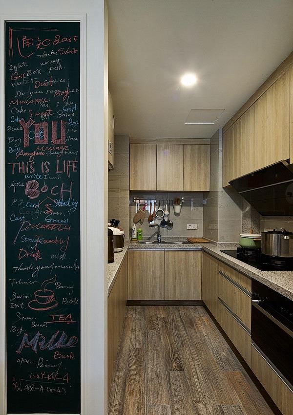 北欧风格U型厨房实木橱柜装饰图