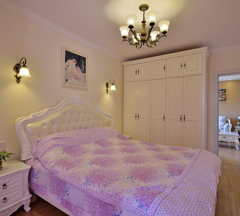 浪漫清新简欧风格卧室白色衣柜效果图