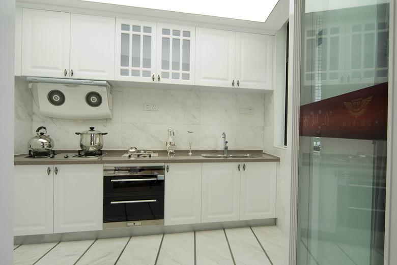 白色现代简约家装小厨房装修效果图大全