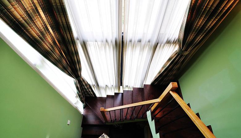 清新简欧风格复式实木楼梯装修设计图
