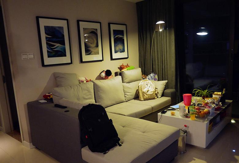 小户型二居室现代简约设计装修图