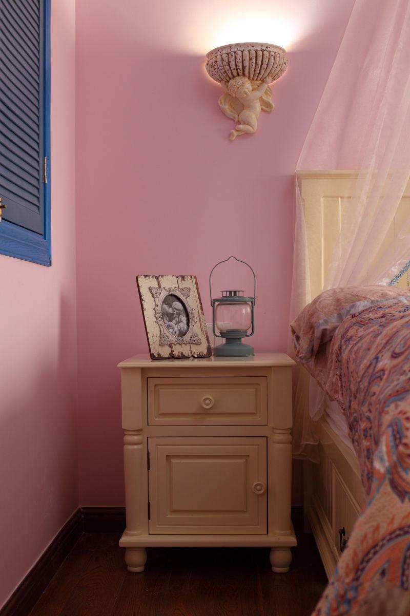 甜蜜粉色地中海家居卧室局部装饰效果图