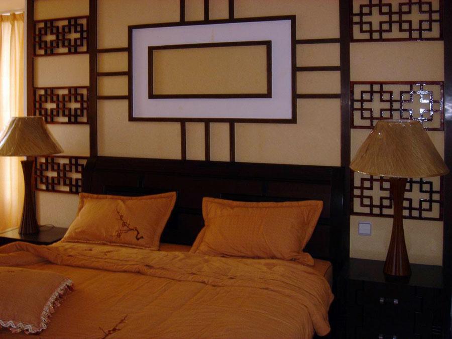 现代新古典卧室雕花背景墙装潢