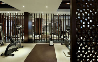 时尚中式镂空隔断健身房设计