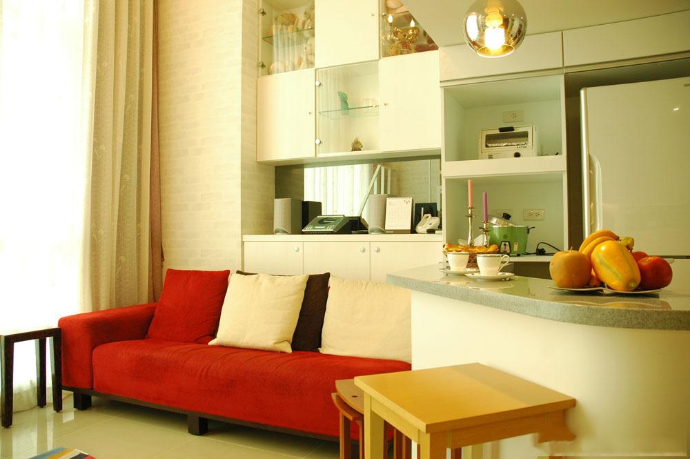 温馨简约时尚小户型复式客厅沙发装饰效果图
