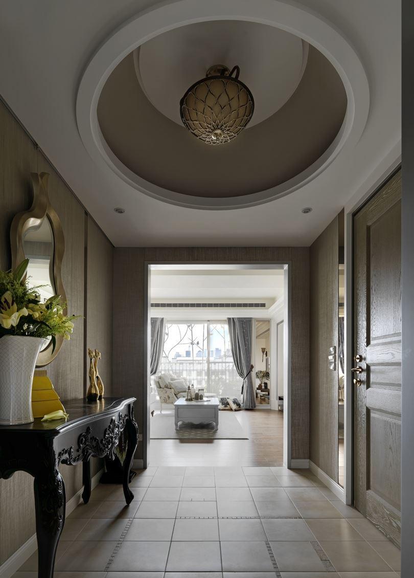 大气美式风格入户玄关圆形吊顶设计图