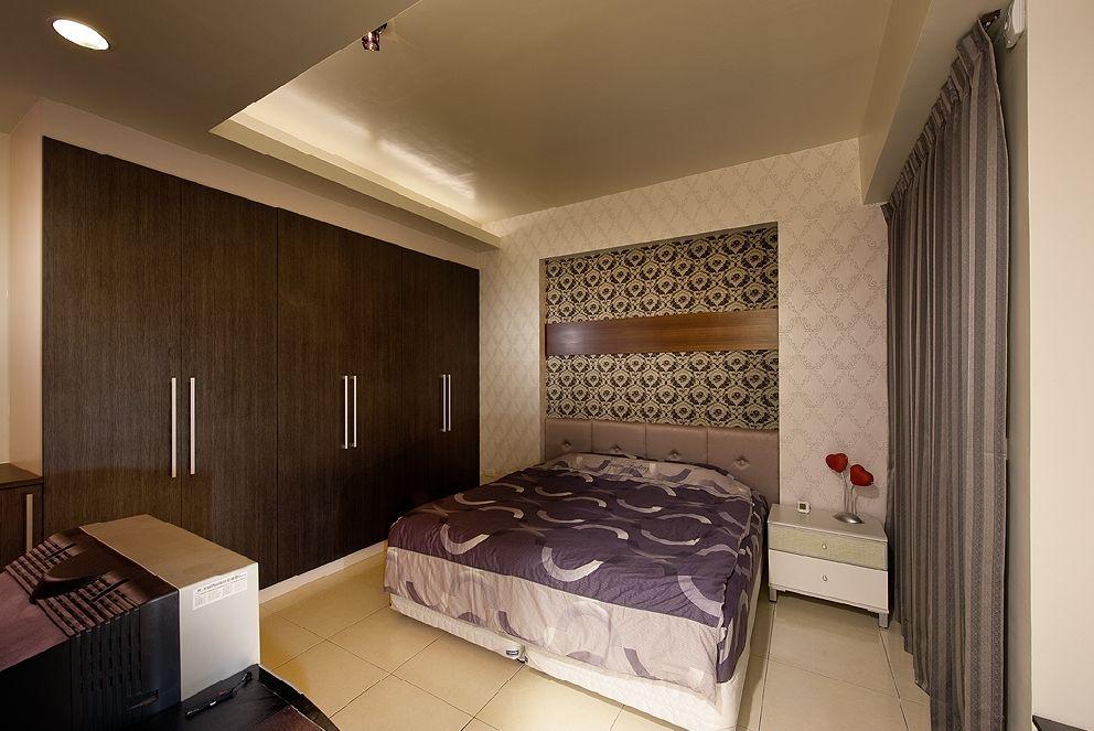 时尚现代卧室实木衣柜定制效果图