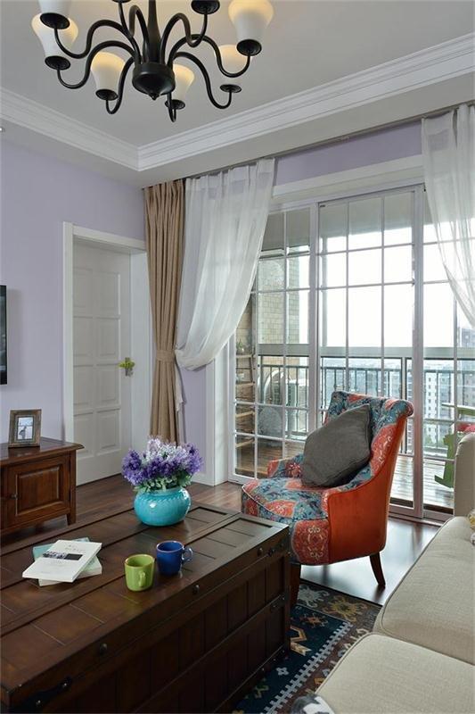 美式风格浅紫色客厅装修图片
