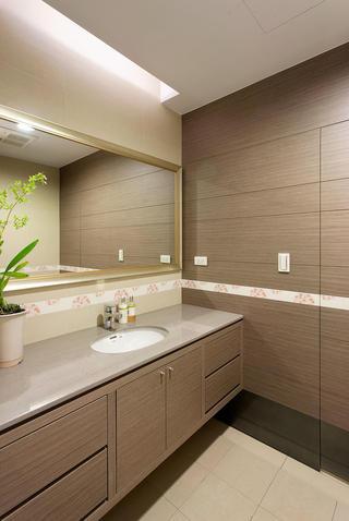 时尚奶咖色现代风格卫生间装饰效果图