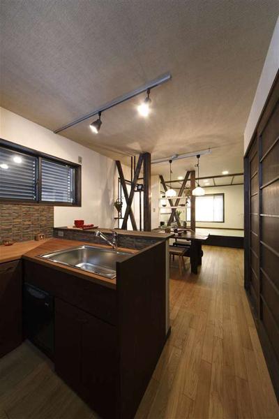 休闲日式开放式厨房家装设计