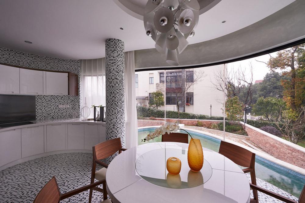现代装修风格别墅半圆形餐厅设计装修图片2/5图片