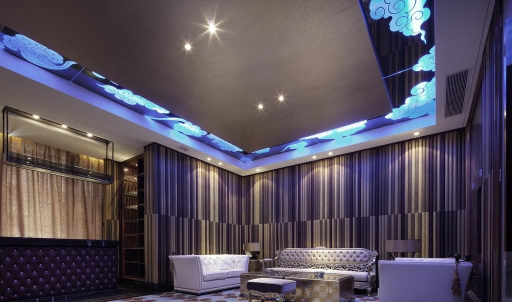 梦幻紫色现代欧式家装影院效果图