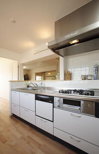 清新日式家庭厨房设计装修效果图
