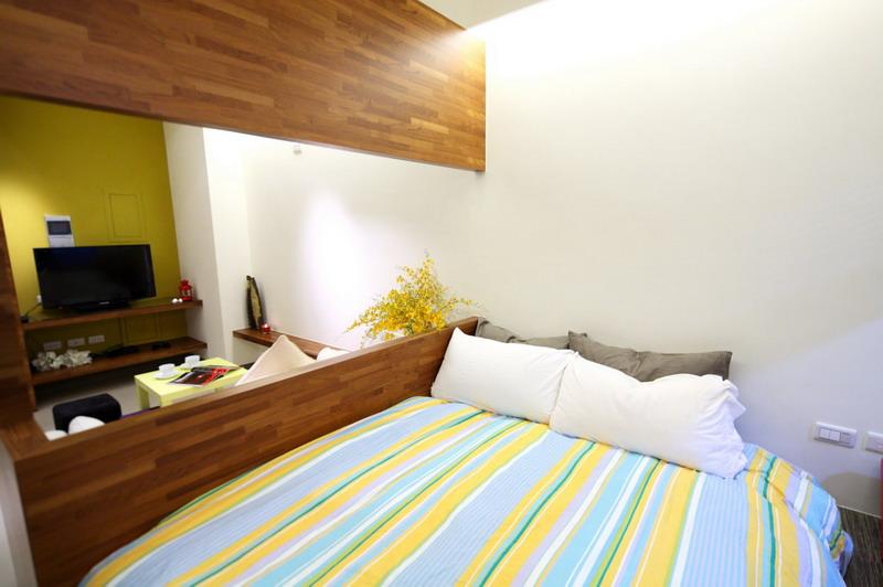 简约小清新家庭客厅卧室木质隔断效果图