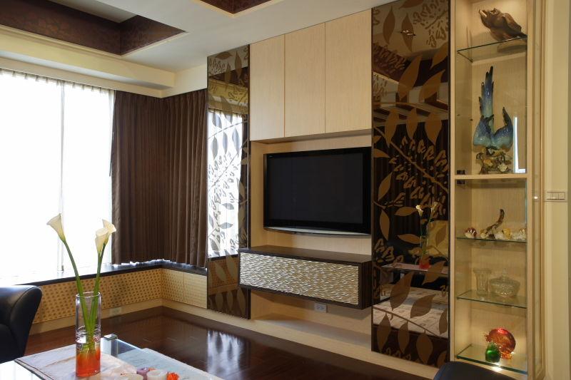 现代小户型复式电视背景墙设计欣赏