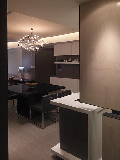 素雅幽静现代风格三居室内隔断设计图