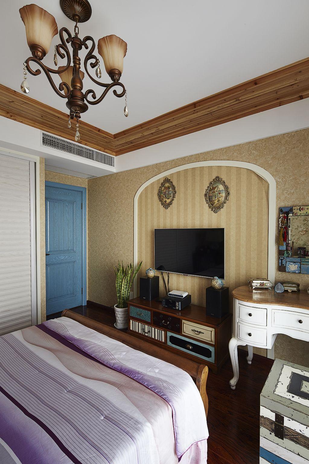 复古美式地中海风格卧室电视背景墙欣赏