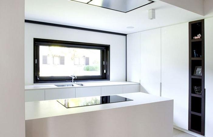 黑白调简约厨房装修效果图