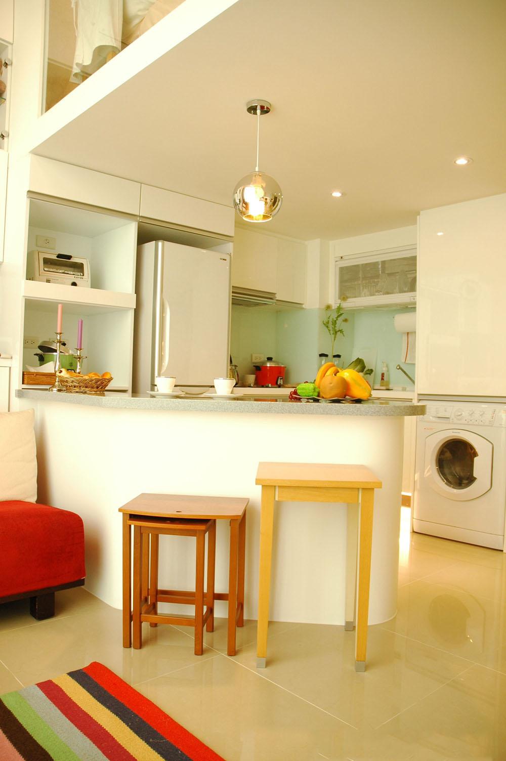 温馨简约时尚小户型复式厨房吧台设计效果图