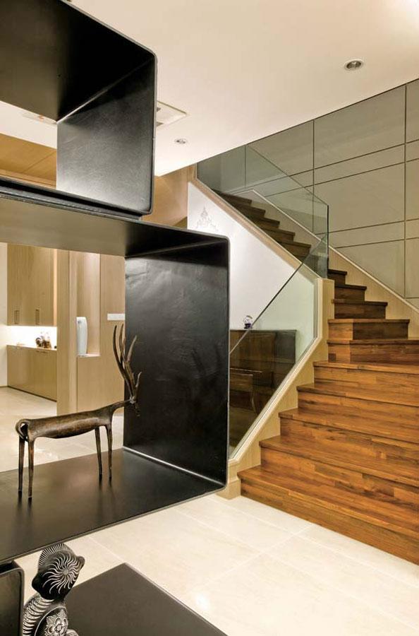 现代简约玄关实木楼梯效果图