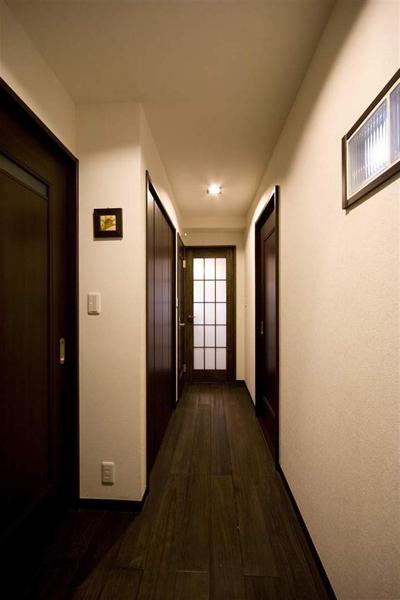 复古简约日式家庭装修实木过道设计