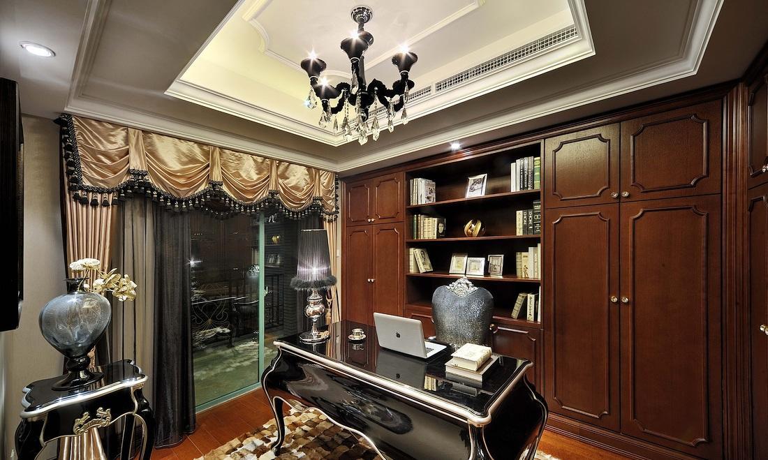 欧式新古典书房展示柜装潢