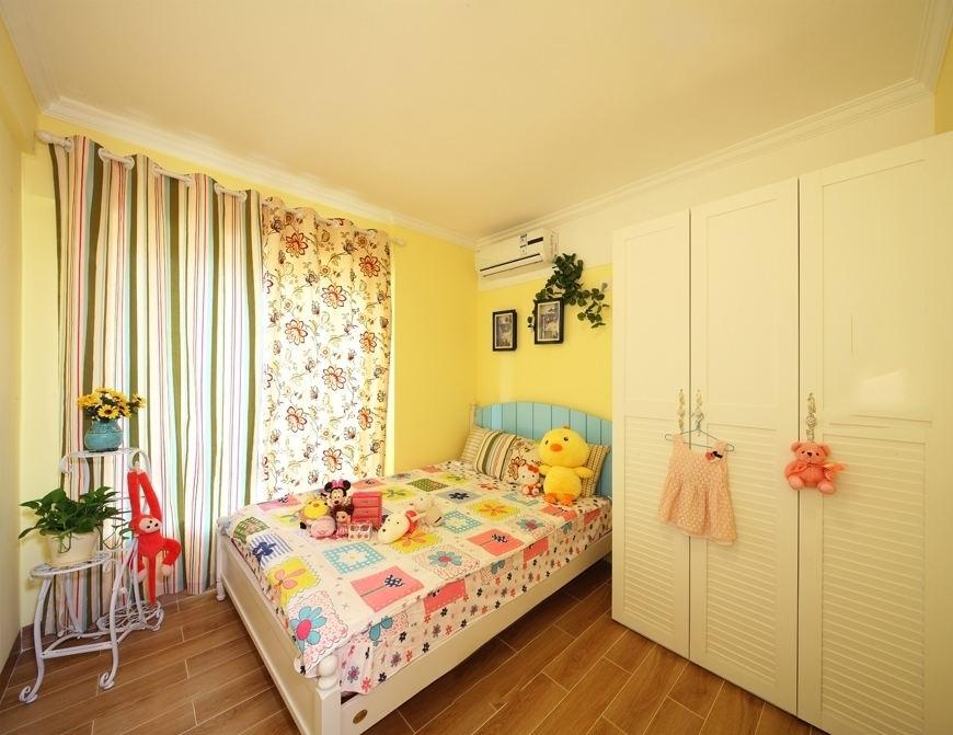 精美田园风儿童房间窗帘装饰图