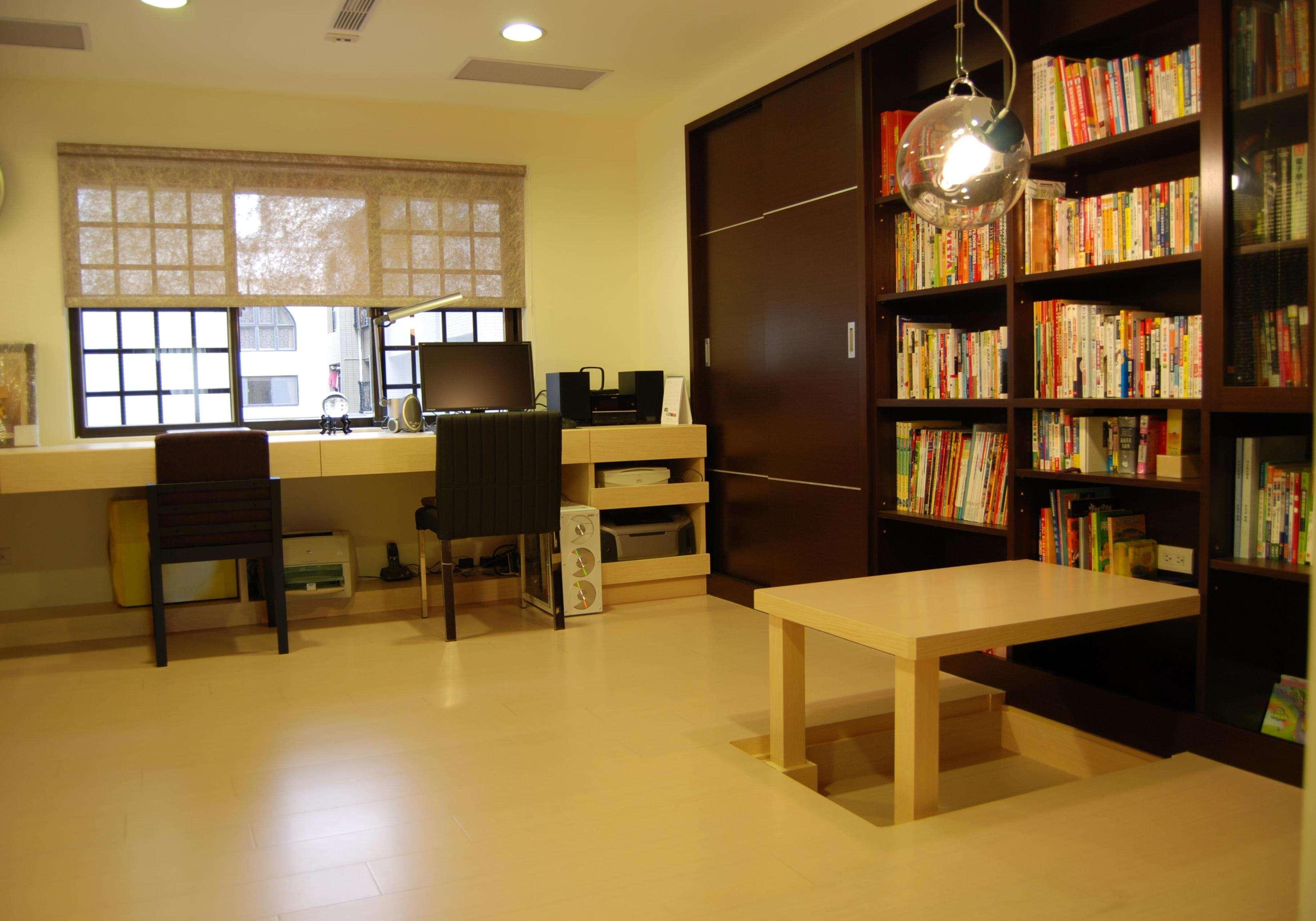咖啡色简约复式室内装饰效果图