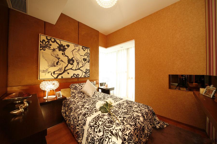 暖色系新古典卧室效果图