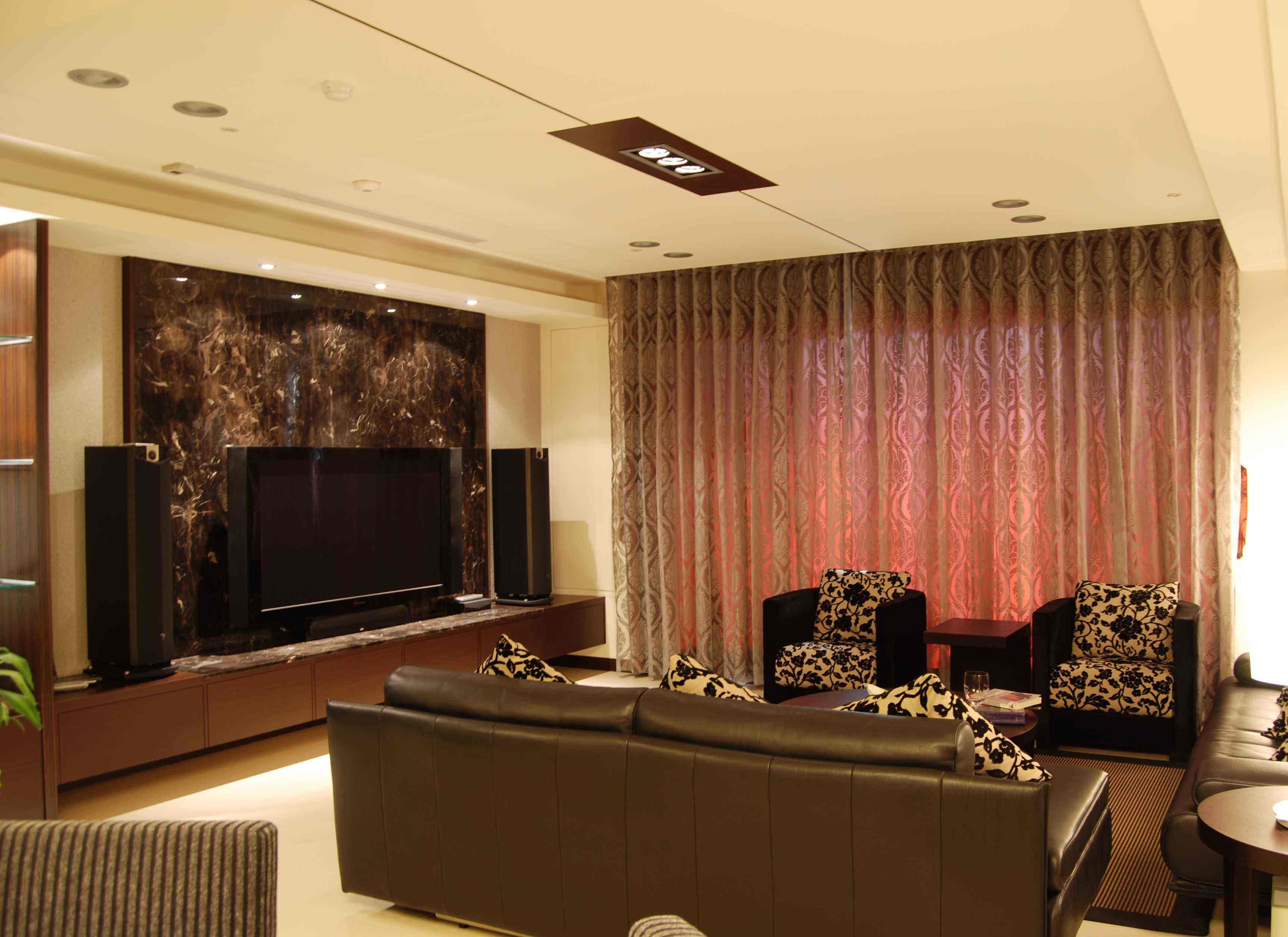 咖啡色中式现代装修风格三室两厅效果图