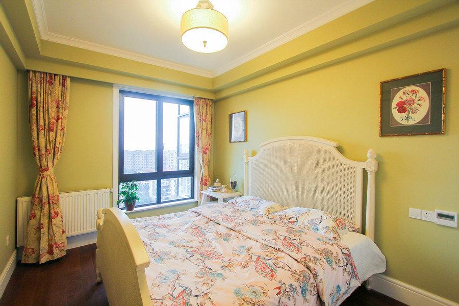 明黄色美式风格卧室设计装修美图
