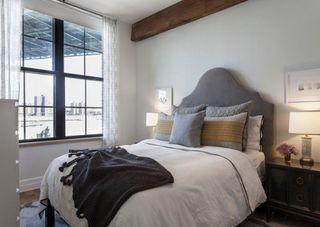 随意休闲美式风格公寓卧室装潢效果图
