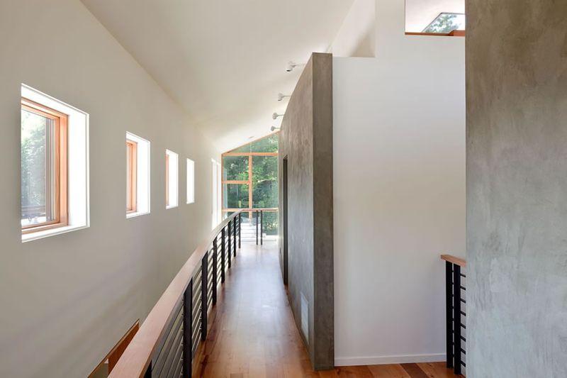典雅美式现代风格别墅过道护栏设计图片