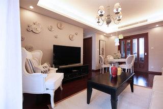 6万元打造70平简约美式风格二居装修案例图