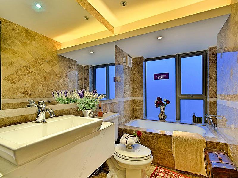 现代豪华家装卫生间吊顶设计装修图片
