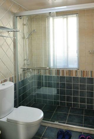 现代风格室内卫生间瓷砖腰线装饰效果图