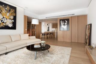 4万元打造简约原木风二居室装修图片