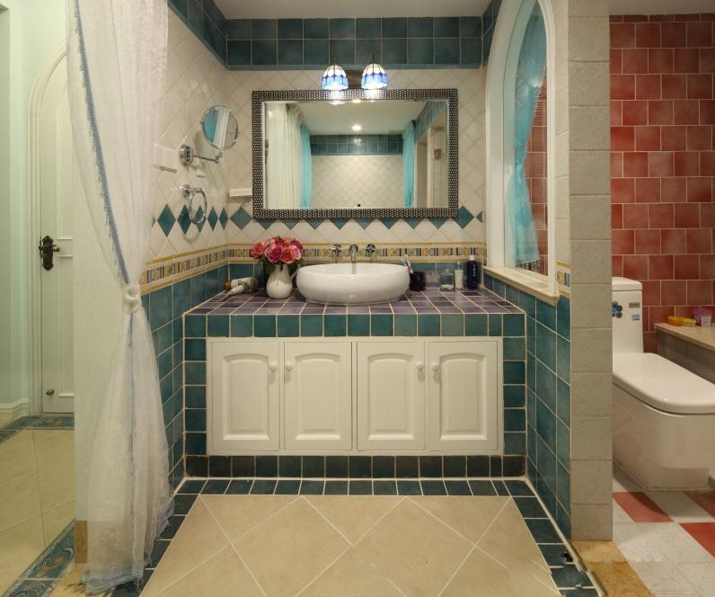 美式风格别墅室内卫生间隔断效果图片