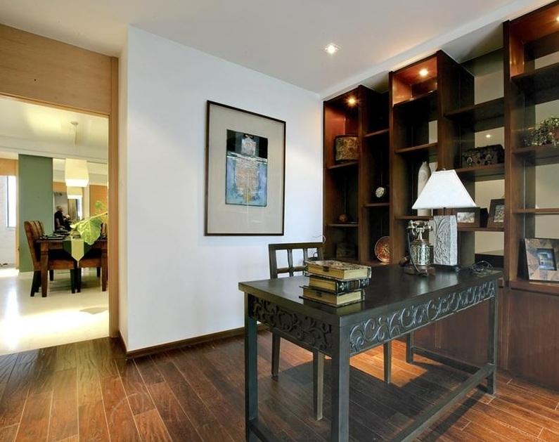 深色沉稳东南亚风格设计室内书房装饰效果图