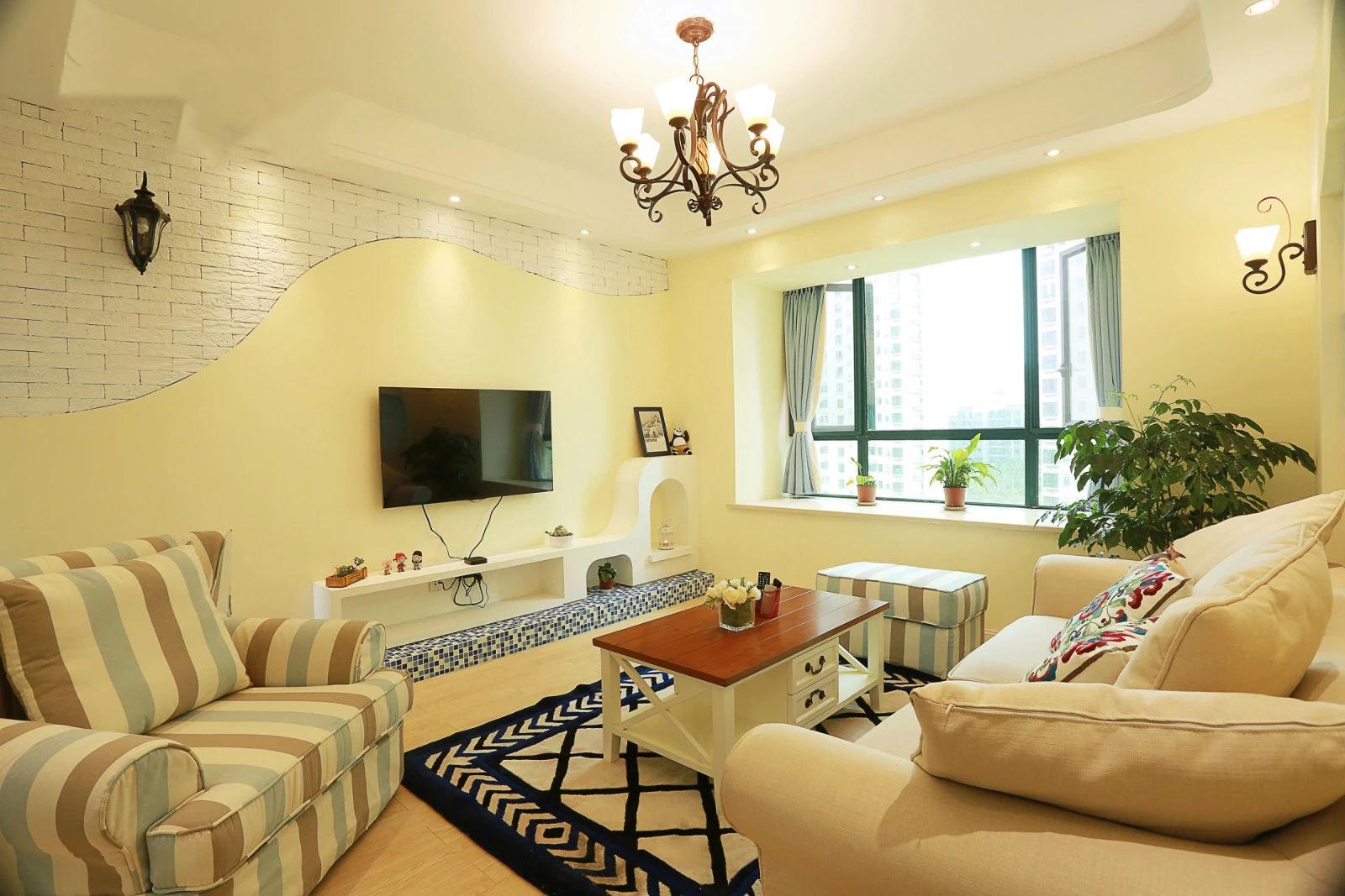 温馨浪漫美式客厅电视墙设计图