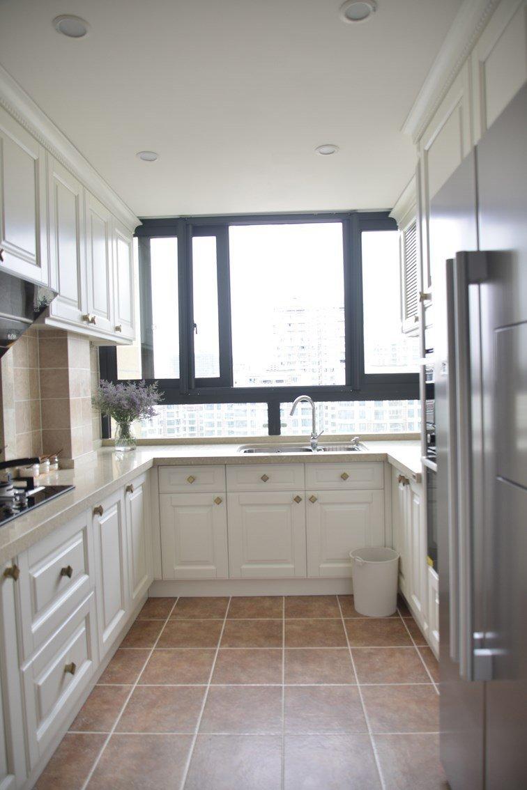 美式复古风厨房白色橱柜效果图